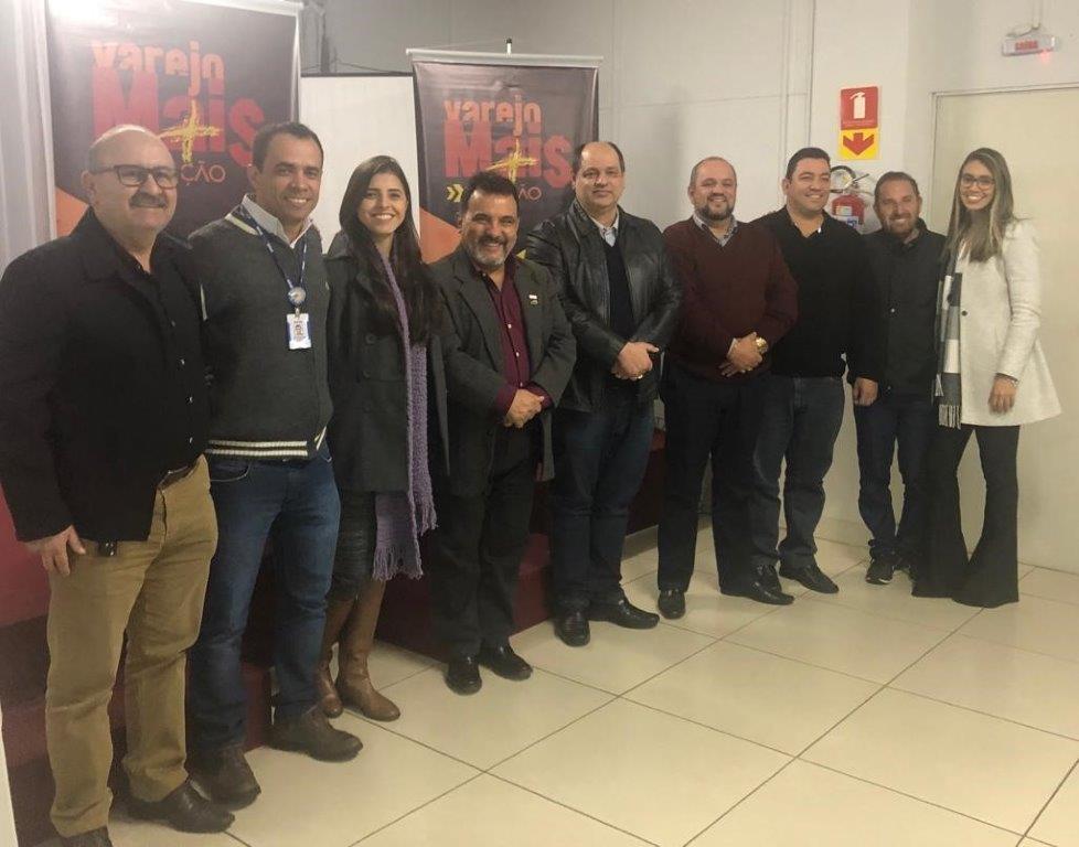 Na foto, representantes das entidades promotoras do Varejo Mais em Ação - Arquivo Sebrae/PR