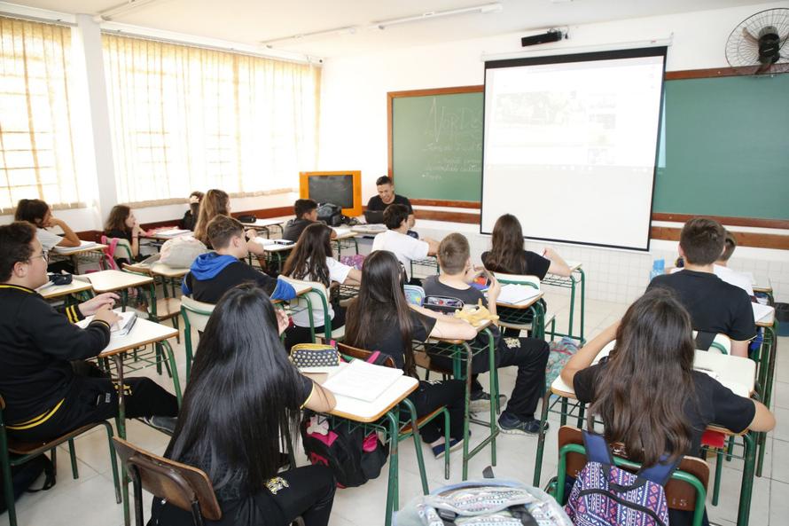 Balanço mostra que os colégios do Estado estão engajados em manter os estudantes na sala de aula - Divulgação