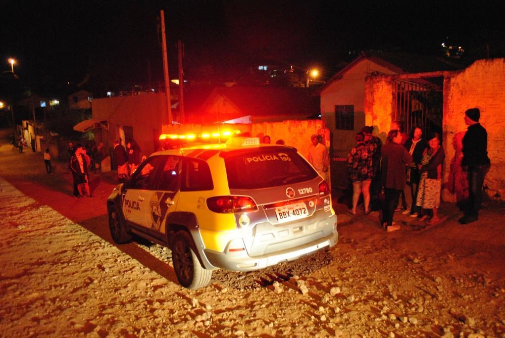 Crime aconteceu no fim da tarde desta quinta-feira (18) na rua Mário Giovannetti - Foto: Antônio de Picolli