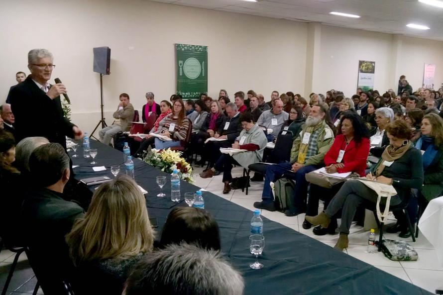 Conferência em Curitiba encerra uma série de etapas que reuniu mais de 20 mil pessoas em 383 municípios - AEN