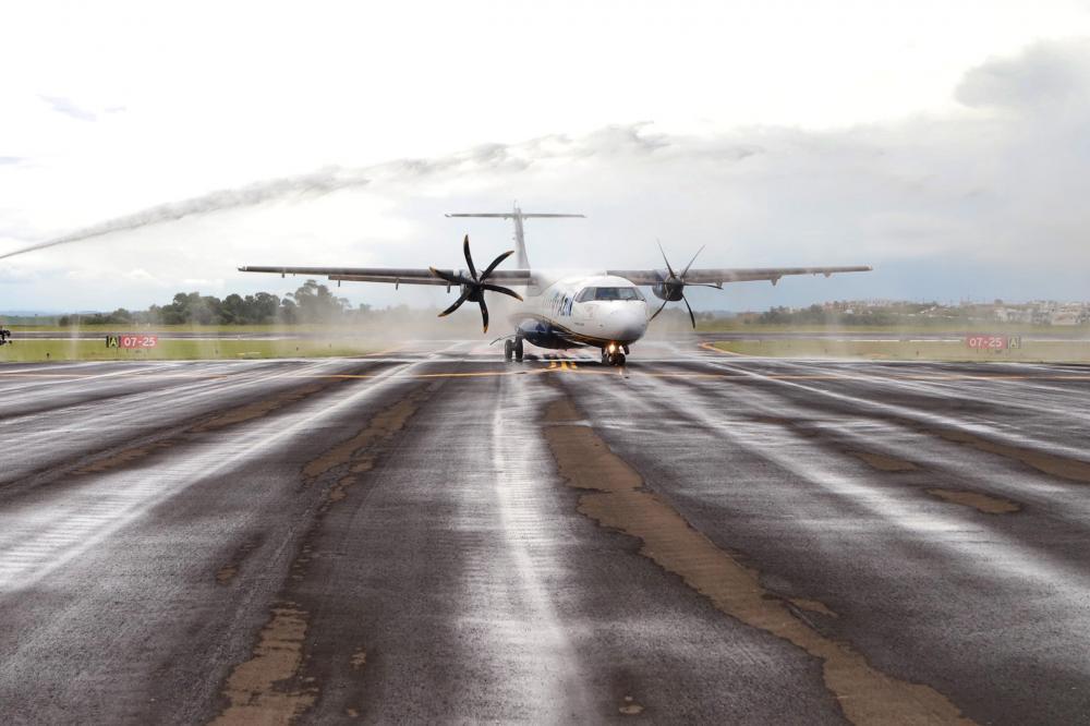 A primeira fase do Programa Voe Paraná totalizará dez novas rotas de voos domésticos - AEN