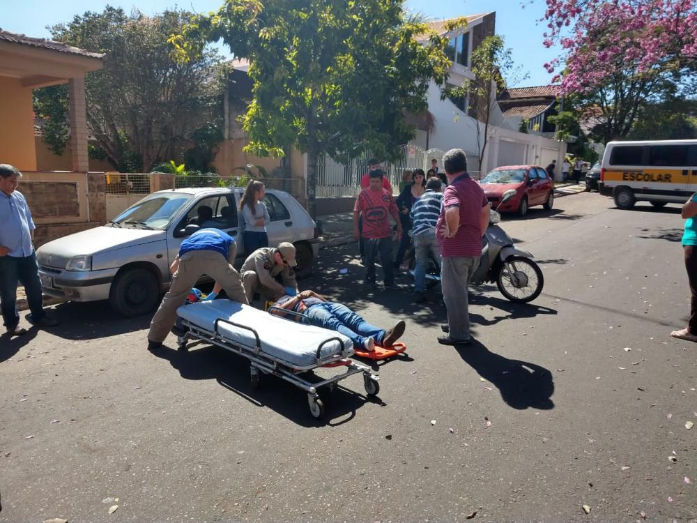 Motociclista foi encaminhado ao Pronto Socorro com várias escoriações pelo corpo