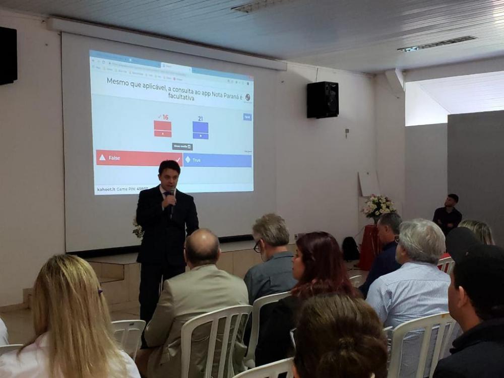 Lideranças e agentes públicos participaram do evento que auxiliou os municípios a organizar seus pregões - Foto: Odemir Capello