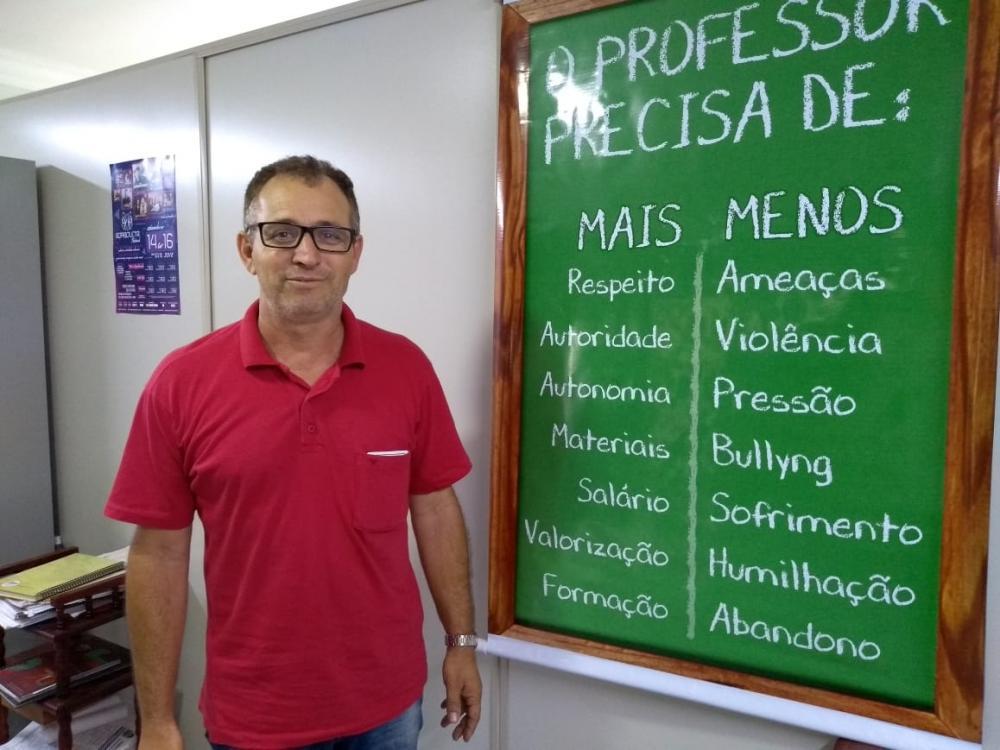 """Fernando dos Santos: """"Há distinção por parte da administração com relação aos professores e aos demais funcionários públicos"""" - Foto: Antônio de Picolli"""