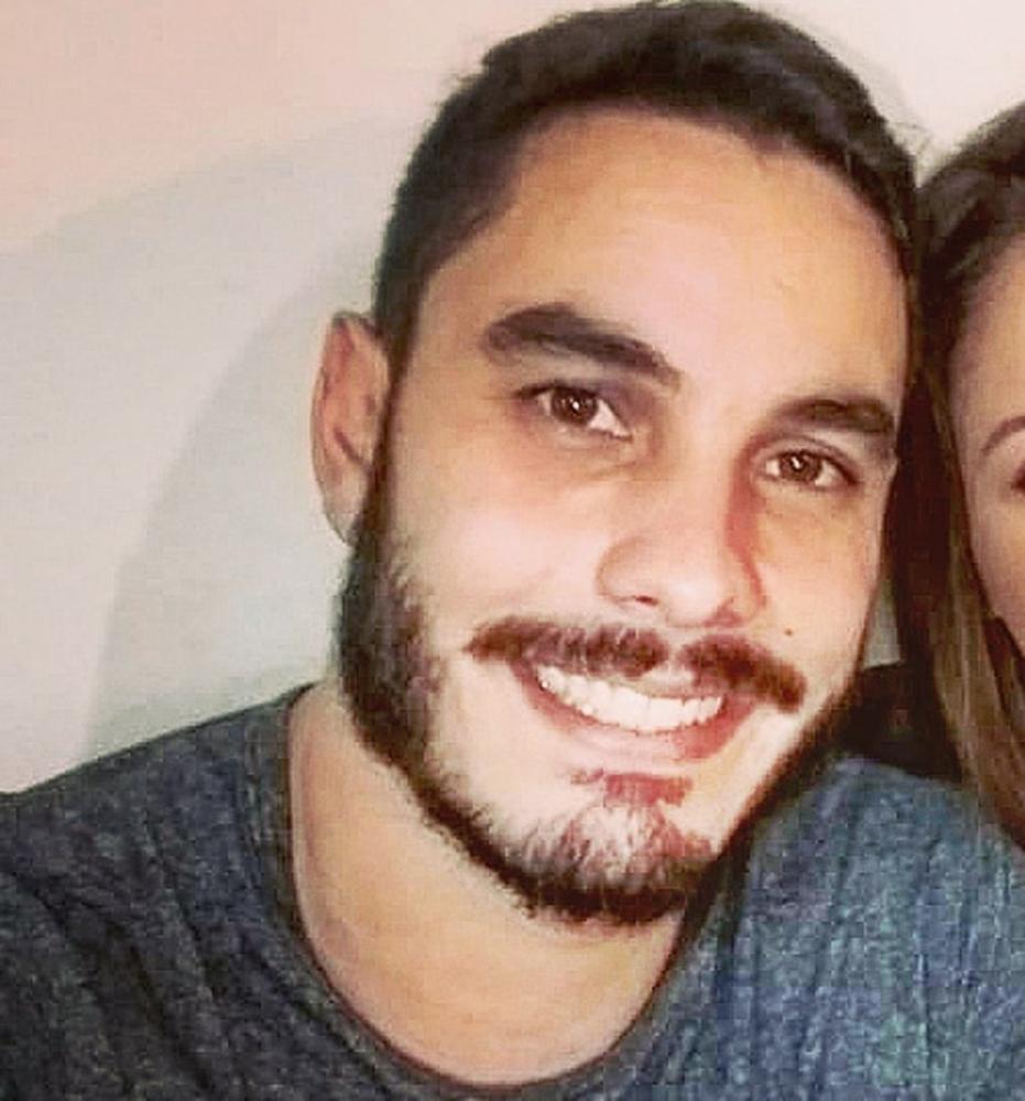 Thiago Bender morreu no hospital Evangélico na manhã desta segunda-feira (19) — Foto: Polyana Artilha/Arquivo pessoal