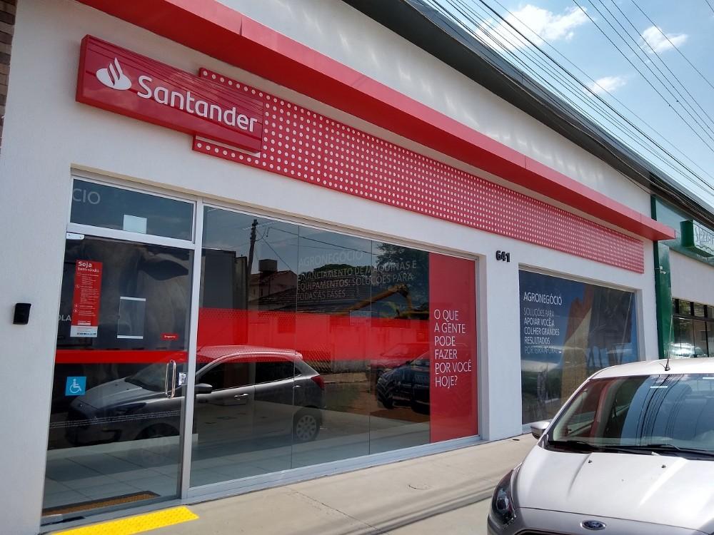 Santander inaugura agência em Santo Antônio da Platina