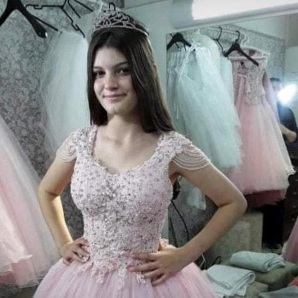 Brenda Rocha Carvalho foi encontrada morta em Passos de Torres — Foto: Divulgação