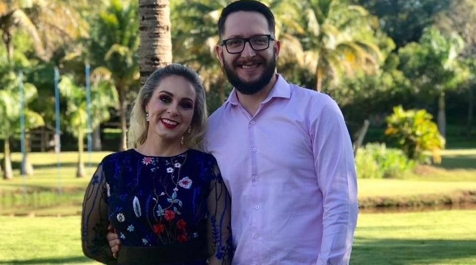 Joanir Fernando (na foto com a mulher) permanece na UTI de Jacarezinho