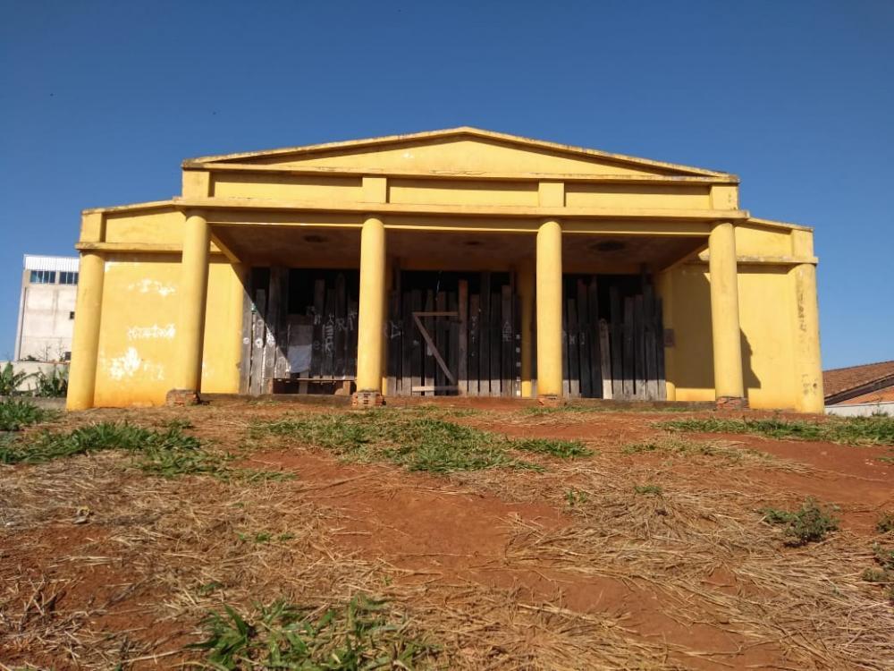 Com obra paralisada em 2001, Casa da Cultura de Siqueira Campos segue abandonada - Divulgação