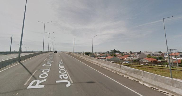 Viaduto em pinhais em que o caso aconteceu (Foto: Street View)