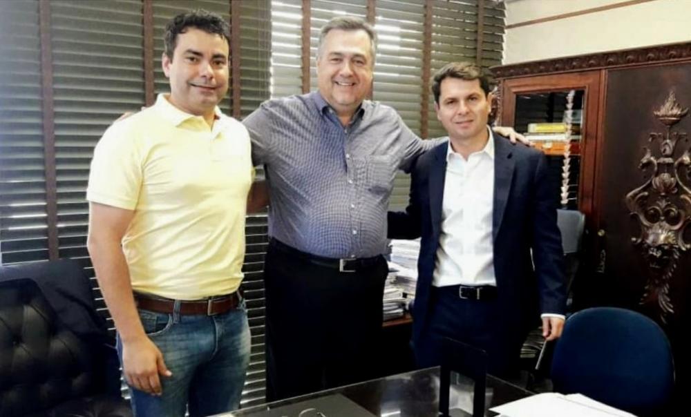 Prefeito de Wenceslau Braz com deputado Alexandre Curi e secretário Beto Preto - Divulgação