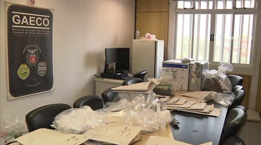 Material apreendido será analisado pelos promotores do Ministério Público - Reprodução/RPC