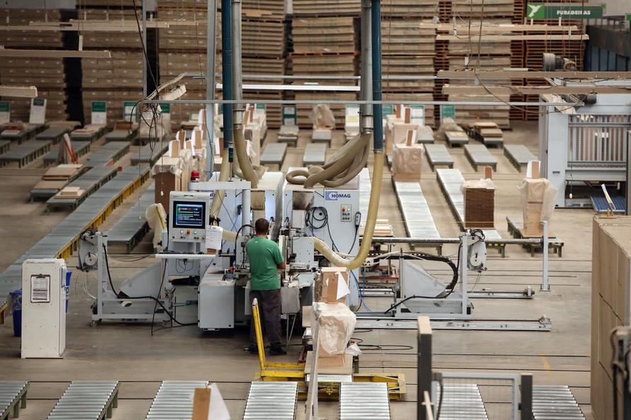 O setor de serviços lidera as contratações - AEN