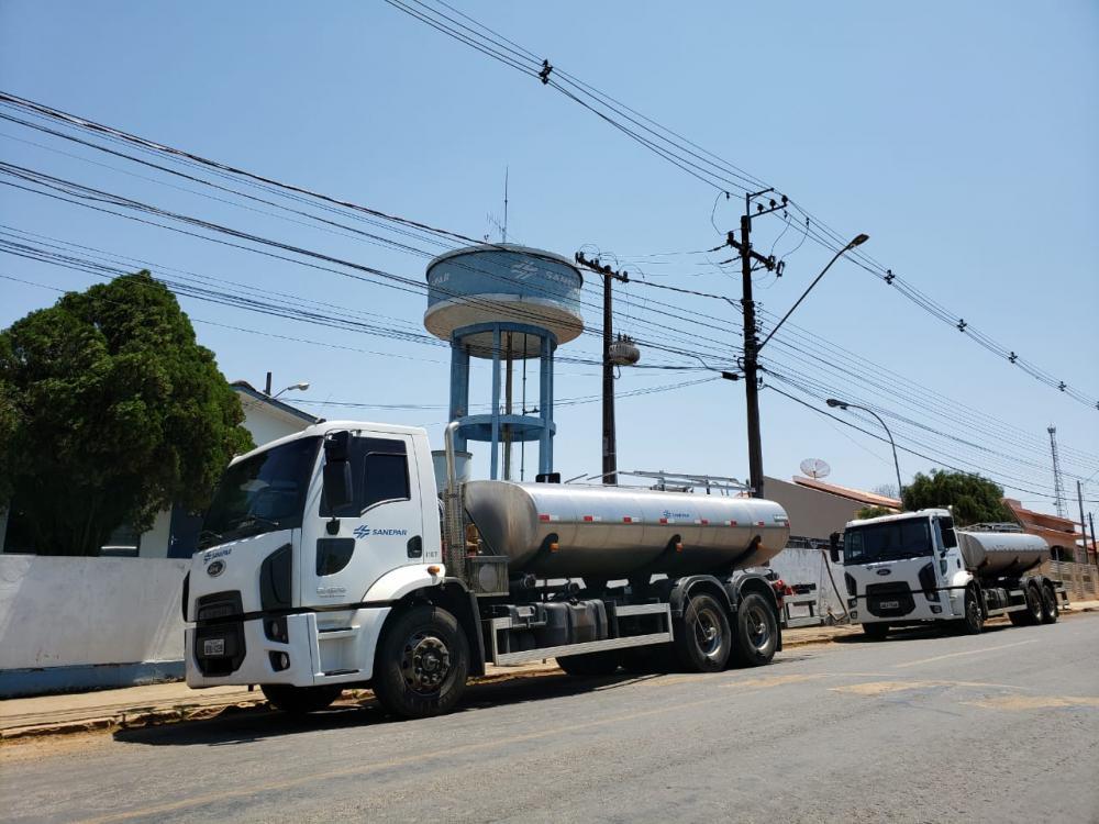 Companhia utiliza poços artesianos e caminhões pipas para garantir água aos municípios mais afetados - Divulgação