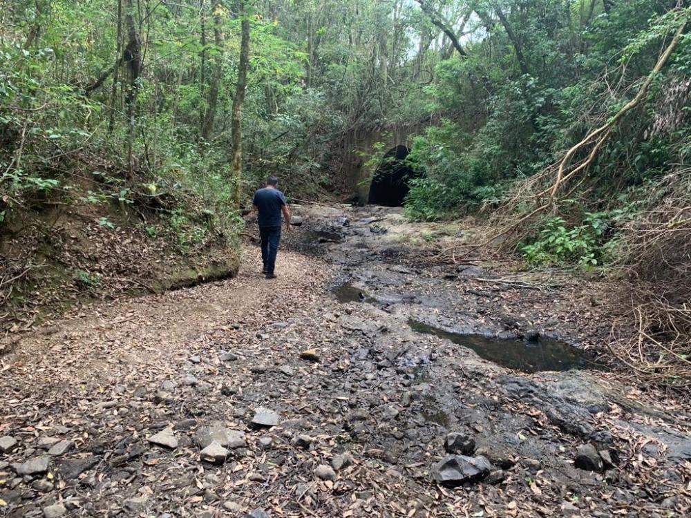 Rio Lajeado, que abastece Quatiguá, está completamente seco - Divulgação