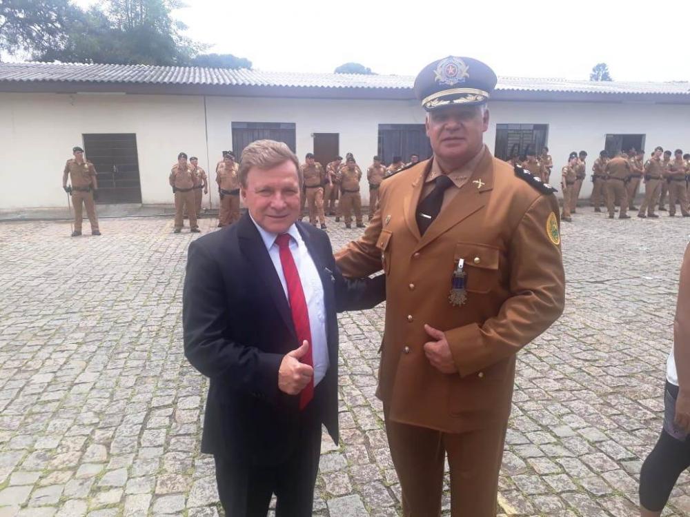 Tenente-coronel Serra com o deputado estadual Mauro Moraes - Divulgação