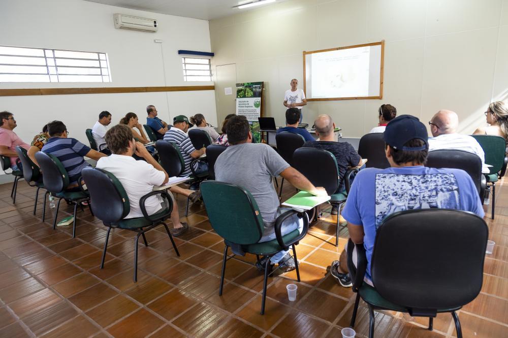 O workshop é ministrado pelo diretor técnico da Associação Nacional de Produtores de Cogumelos, Edison de Souza