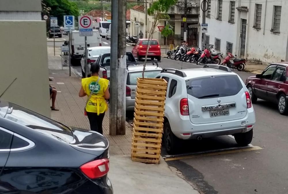 Cobrança do estacionamento já acontece nas principais ruas do centro