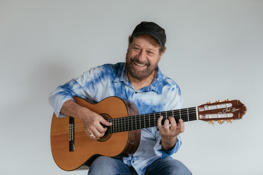 O cantor e compositor João Bosco se apresenta na última noite da mostra - Divulgação