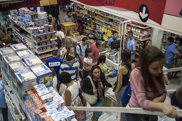 Lojistas esperam movimento acentuado no comércio durante a Black Friday (Arquivo/Marcelo Camargo/Agência Brasil)