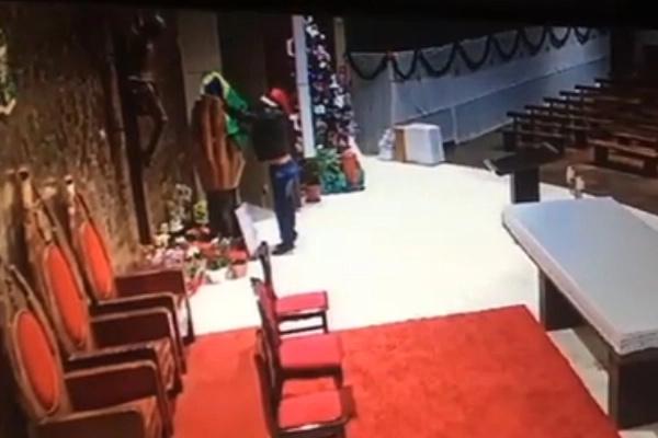 Homem furta a imagem da Santa