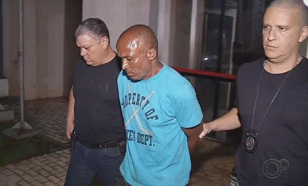 Agnaldo era vizinho de Emanuelle e confessou que matou a menina a facadas - Reprodução/TV TEM