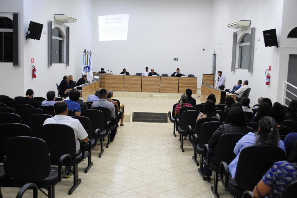 Câmara de Vereadores aprovou 4.31%, enquanto a classe pretendia 12.84% de reposição nos vencimentos - Antônio de Picolli