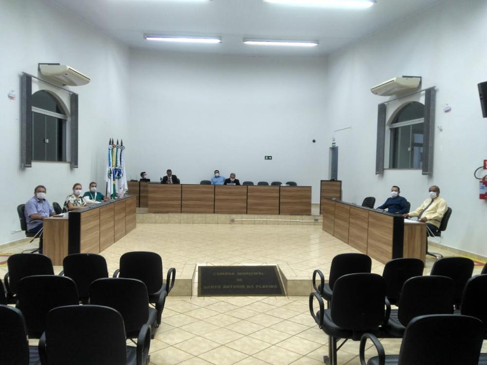 Sessões na Câmara de Vereadores de Santo Antônio da Platina acontecem com as portas fechadas ao público - Divulgação
