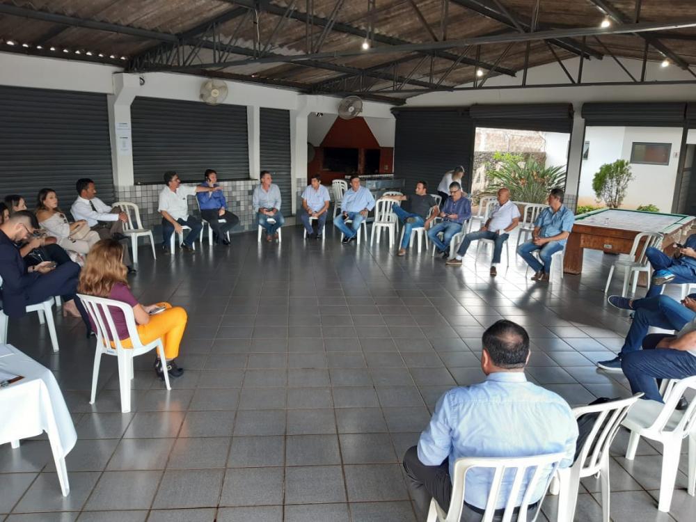 Prefeitos se reuniram na tarde desta segunda-feira (30), em Jacarezinho - Foto: Marcos Júnior