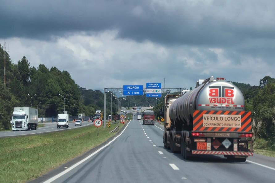 Governo do Paraná divulga pontos de apoio aos caminhoneiros