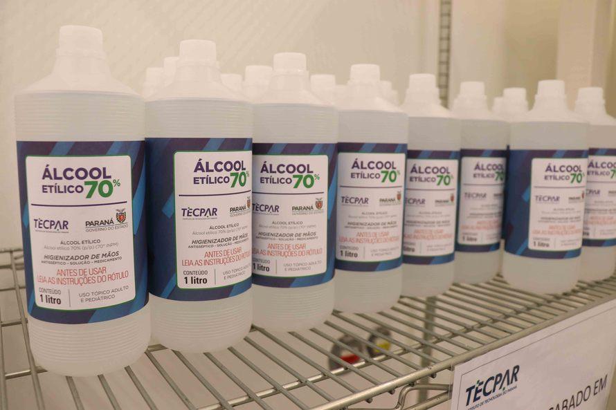 Tecpar inicia entrega de álcool antisséptico ao Governo do Estado