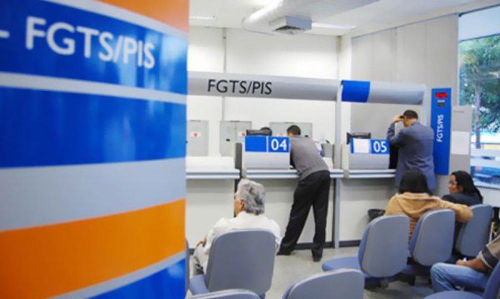 Juiz invoca 'sobrevivência' e autoriza desempregado a sacar R$ 1.045 de seu FGTS