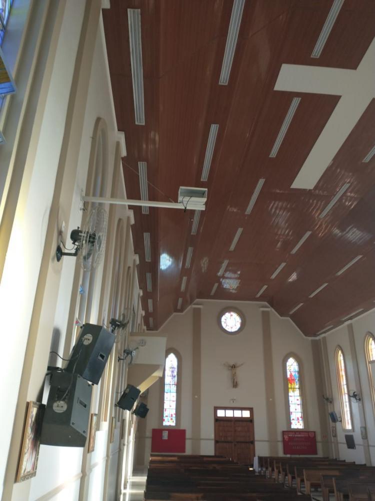 Ladrão invade igreja e furta equipamentos para transmissão de missas