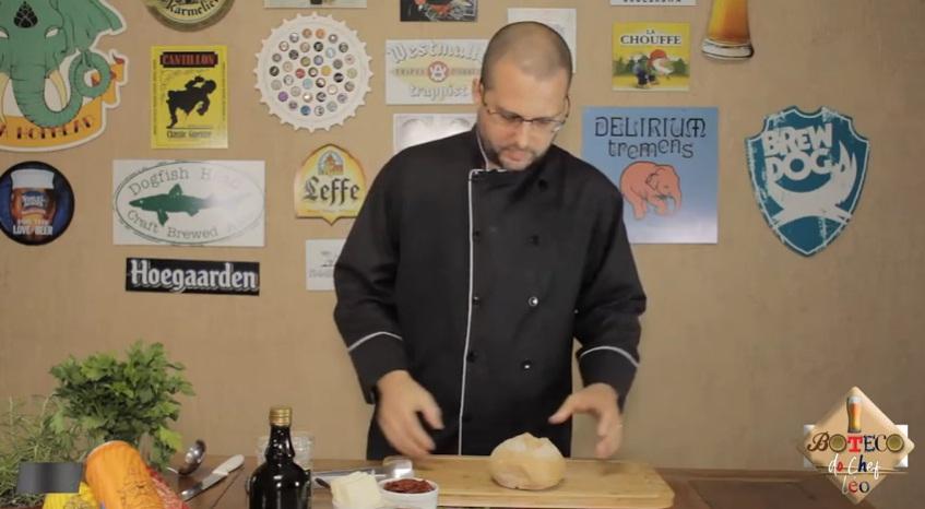 Sanduba no pão italiano harmonizado com cerveja Hop Lager