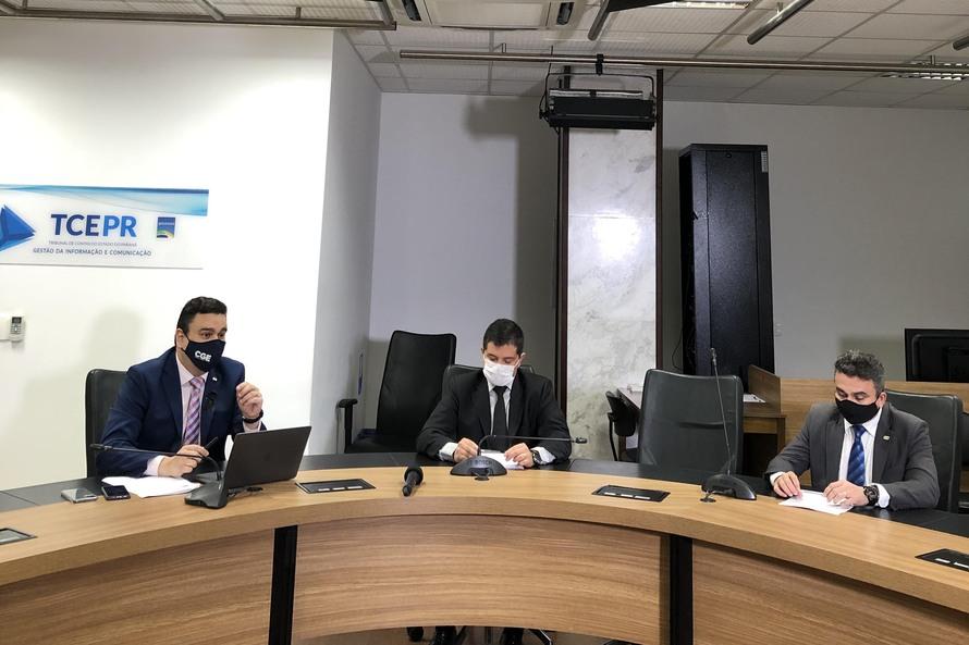 Governo do Paraná notifica servidores que receberam auxílio emergencial