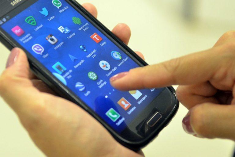 Por que seu smartphone pode se tornar um espião dentro do seu bolso
